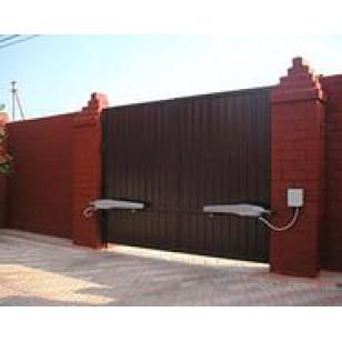 Комплект распашных ворот Doorhan размером 4660 х 2200